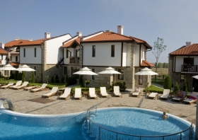 Villas and apartments near the beach in Kosharitsa, Bulgaria