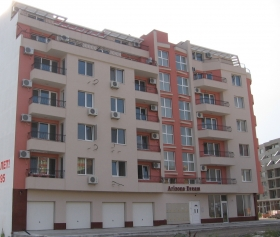 Apartments in Pomorie, 100 meters from the sea
